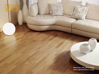 vinyl-sheet-flooring-wood-look